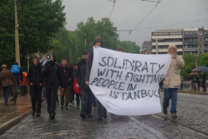Solidarity with fighting people in Istanbul
